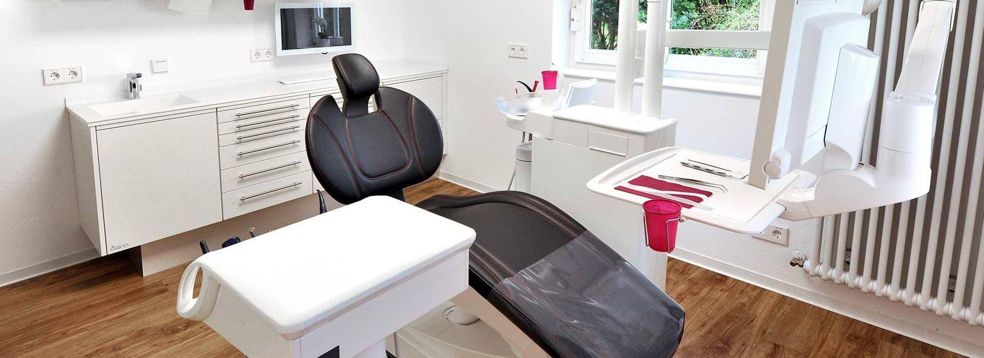 Behandlungszimmer Zahnarzt Remshalden