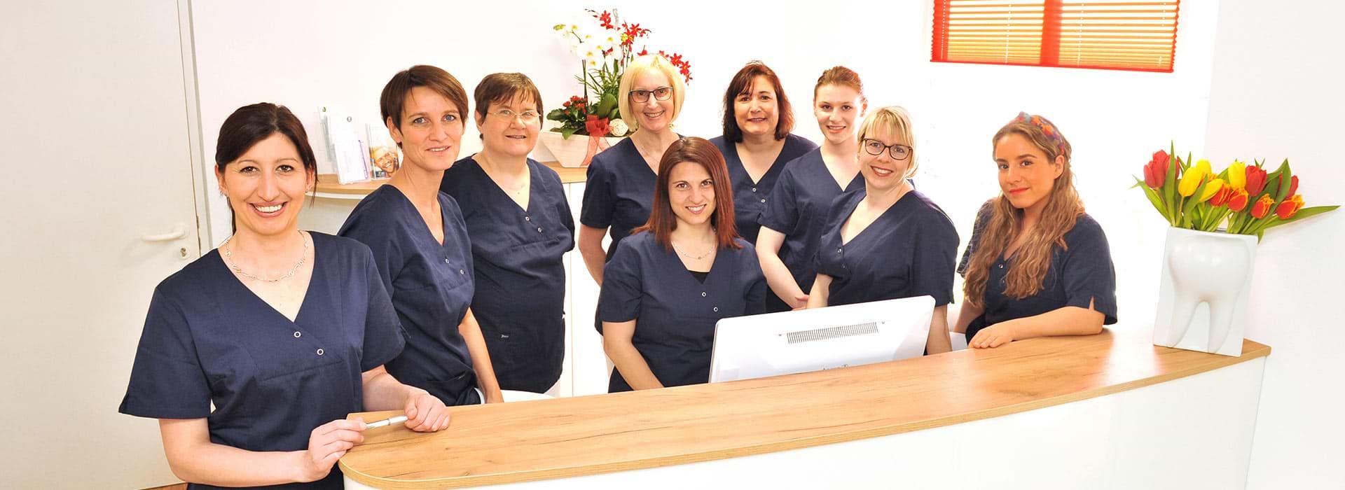 Team der Zahnarztpraxis Ani Brügging in Remshalden